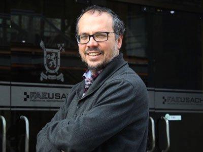 Manuel Llorca-Jaña